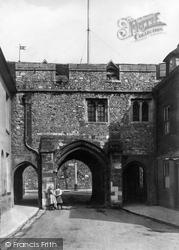 Winchester, Kingsgate 1911