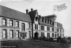 Winchester, Modern School 1886