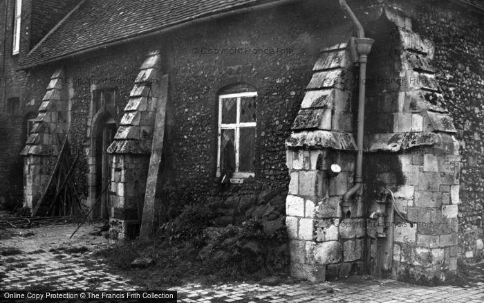 Photo of Winchester, Pilgrims' Hall c.1950