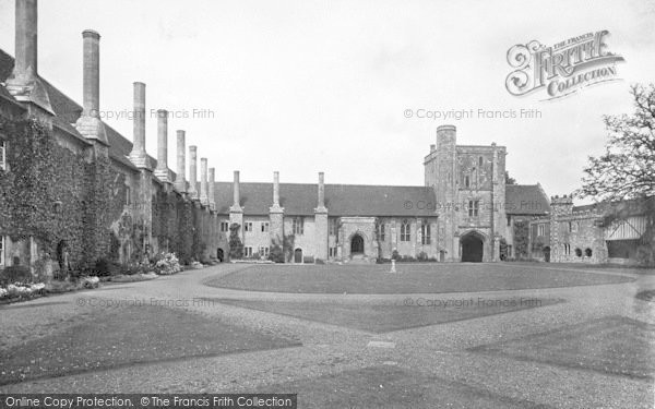 Photo of Winchester, St Cross Hospital 1919