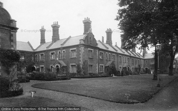 Photo of Winchester, St John's Almshouse 1911