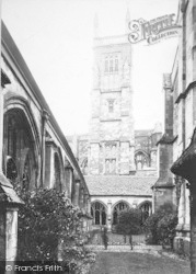 Winchester, The College Cloisters 1910