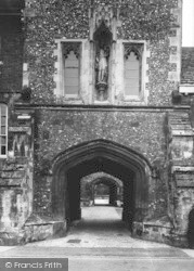 Winchester, The College Entrance 1936