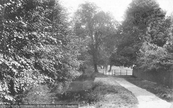 Photo of Winchester, The Nuns Walk 1909
