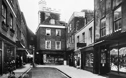 Winchester, The Square 1909