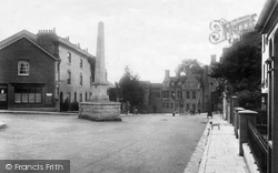 Winchester, Upper High Street And Monument 1909