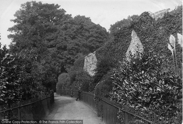 Photo of Winchester, Wolvesley Walk 1911