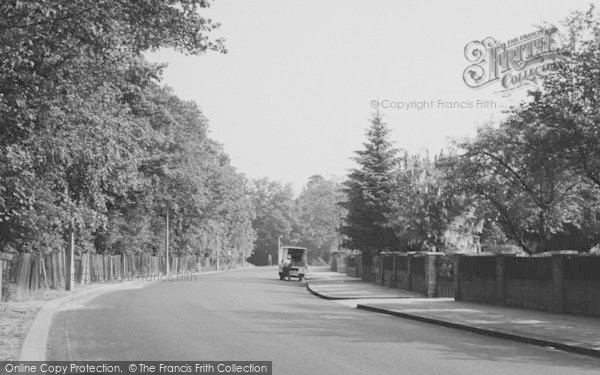 Photo of Winchmore Hill, Bush Hill c.1955