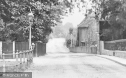 Winchmore Hill, Hoppers Road c.1920