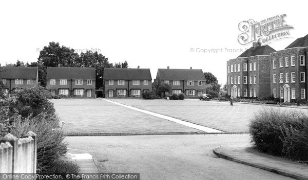 Photo of Winchmore Hill, River Bank c.1960