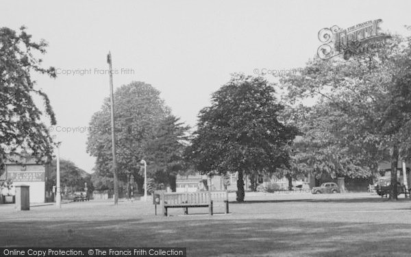 Photo of Winchmore Hill, The Green c.1955