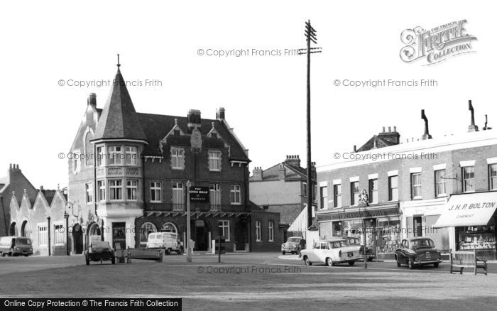 Photo of Winchmore Hill, The Kings Head c.1962