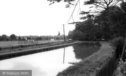 Winchmore Hill, The New River And The Cricket Ground c.1960