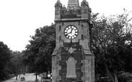 Windermere, the Baddeley Clock c1955
