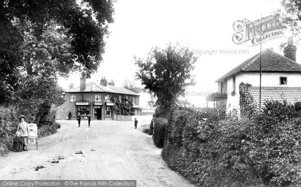 Windlesham village, 1909. Reproduced courtesy of The Francis Frith Collection