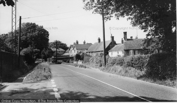Photo of Windmill Hill, Old Cottages c.1955