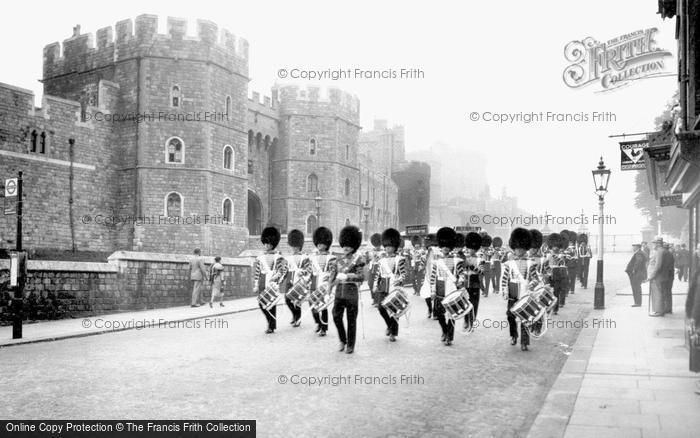 Windsor, Castle Hill 1937