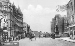 Windsor, Curfew Tower, High Street c.1920