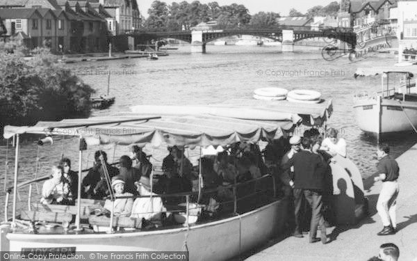 Photo of Windsor, River Thames, The Lady Sara c.1965