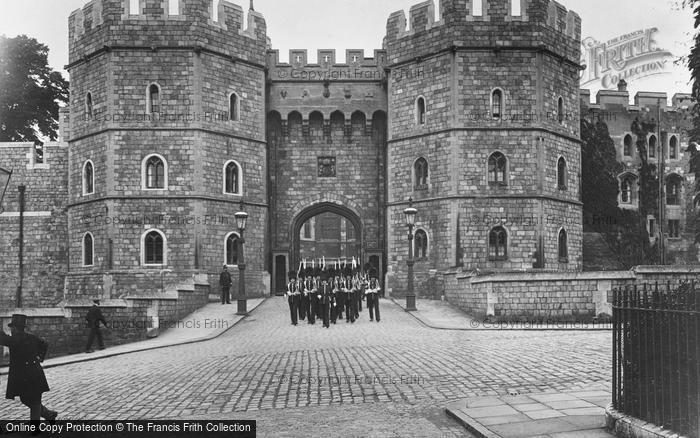 Photo of Windsor, The Castle, Henry Viii Gate 1914