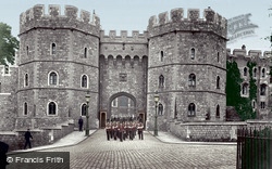 Windsor, The Castle, Henry VIII Gate 1914