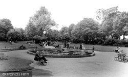 Windsor, The River Gardens c.1960