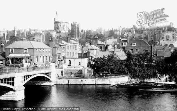 Photo of Windsor, Town Bridge And Sir Christopher Wren's House c.1900
