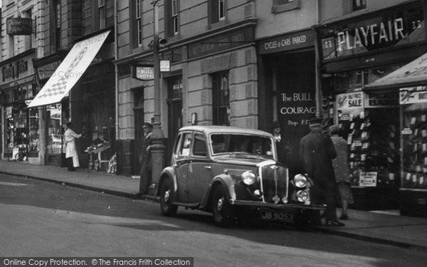 Photo of Windsor, Wolseley Car In Peascod Street 1937