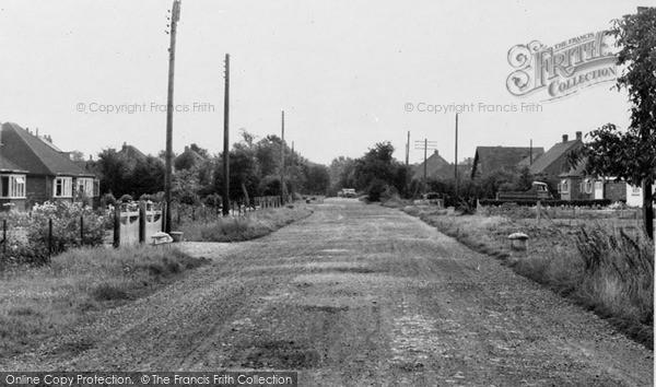 Photo of Winnersh, Danywern Drive c.1960