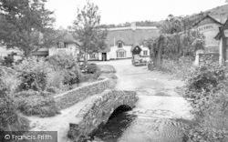 Blacksmith Bridge And Royal Oak Hotel c.1960, Winsford