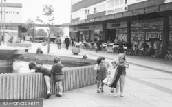 Winsford, Children At Fountain Court c.1965