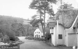 Inn And Post Office 1886, Winsford