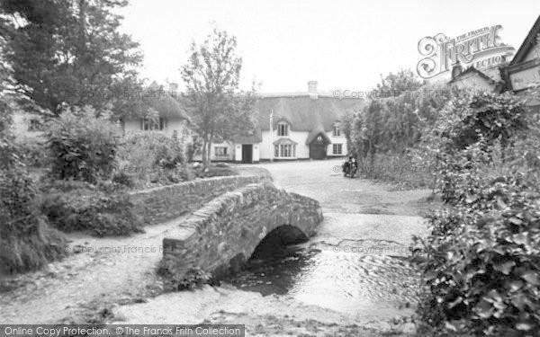 Photo of Winsford, The Packhorse Bridge And Royal Oak Hotel c.1955