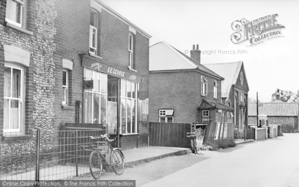 Photo of Winterton On Sea, Beach Road And The Chapel c.1950