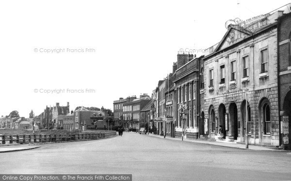 Photo of Wisbech, Cornhill And Town Hall c.1955
