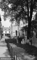 St Peter's Churchyard c.1950, Wisbech