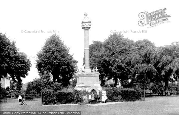 Photo of Wisbech, Young's Memorial 1901