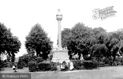 Wisbech, Young's Memorial 1901