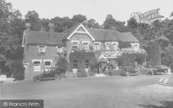 Wisley, Hut Hotel 1928