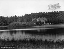 Wisley, The Hut Hotel 1928