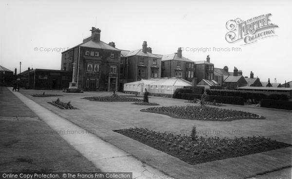 Photo of Withernsea, the Gardens c1965, ref. W177078