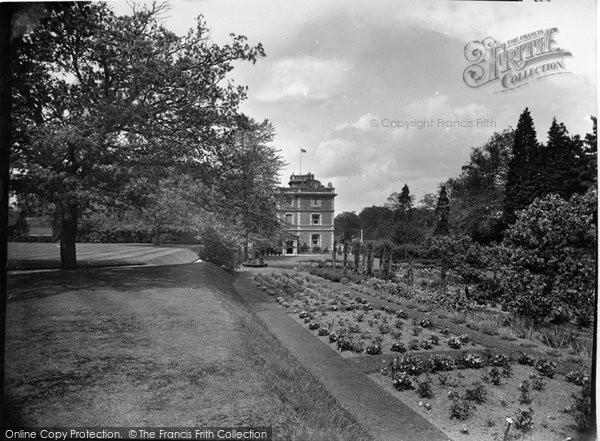 Photo of Witley, King Edward's School, Head Mistress's Garden 1931