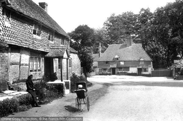 Witley, the White Hart, 1906 Reproduced courtesy of The Francis Frith Collection