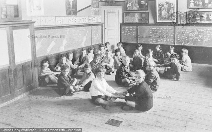 Photo of Witney, C Of E Junior School, Infants Class 1932