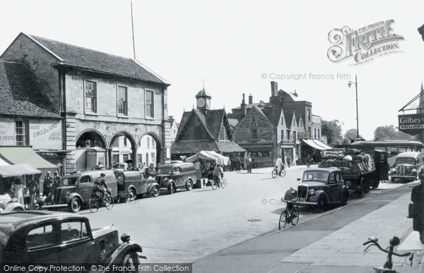Photo of Witney, Market Square c.1955