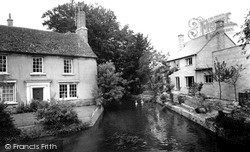 Witney, The River Windrush From The Bridge c.1960