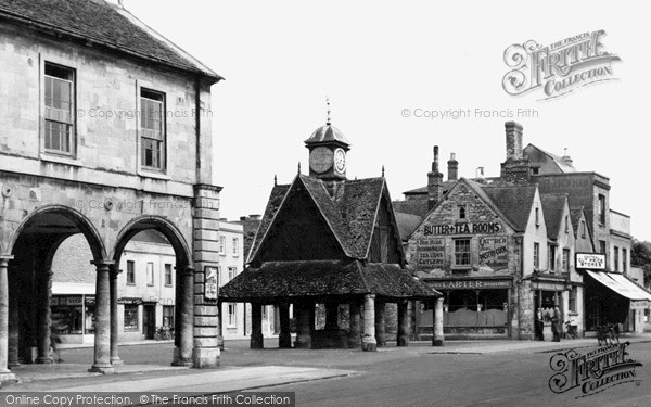 Witney, Town Hall and Butter Cross c1950