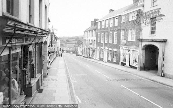 Photo of Wiveliscombe, High Street c.1967
