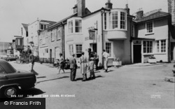 Wivenhoe, The Rose And Crown c.1960