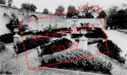 Sun Dial Gardens c.1955, Woburn Abbey